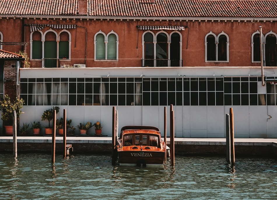 Wedding in Venice and beautiful boat for it